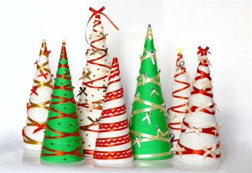Как сделать новогоднюю елку своими руками из бумаги